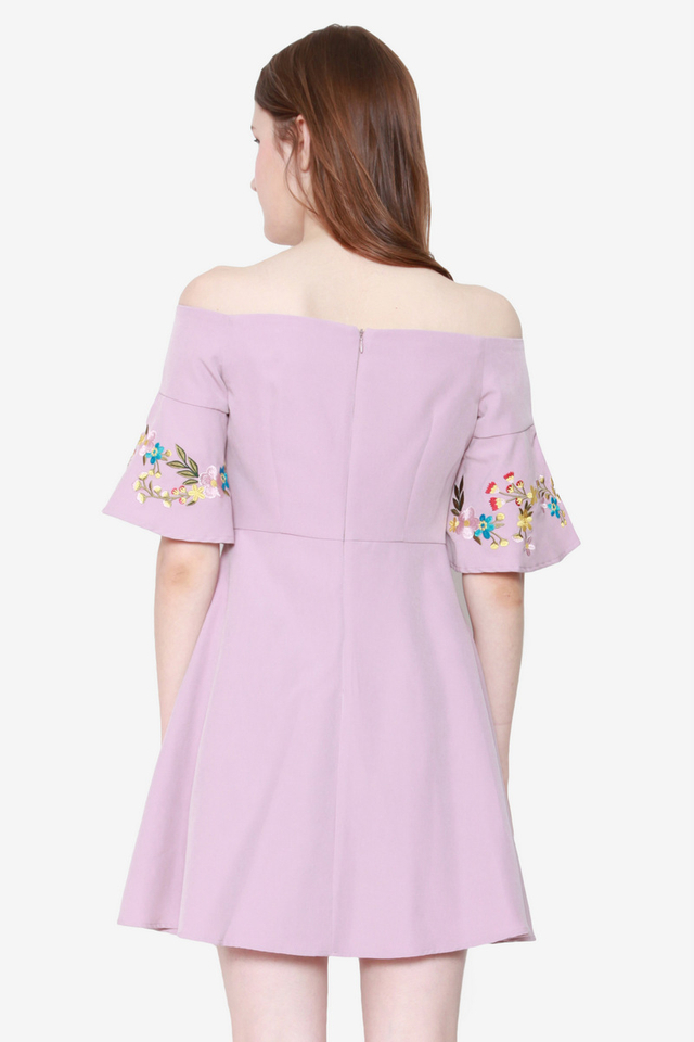 Maribel Trumpet Sleeve Off Shoulder Dress (Pink)