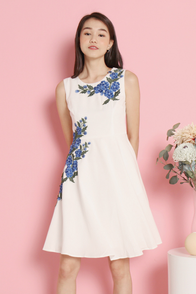Avelina Floral Fit and Flare Dress (White)