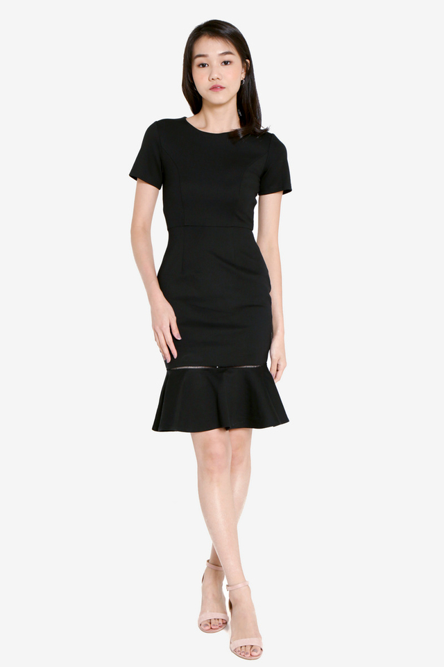 Twinnelle Sleeved Trumpet Dress (Black)