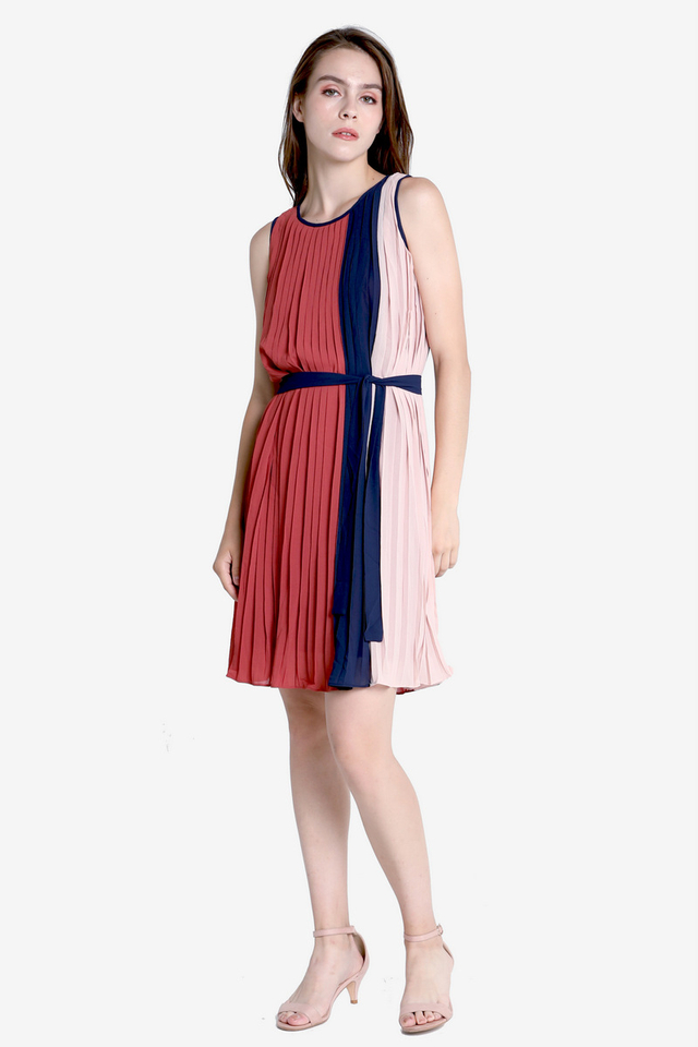 PO: Macy Colourblock Pleated Dress (Tea Rose)