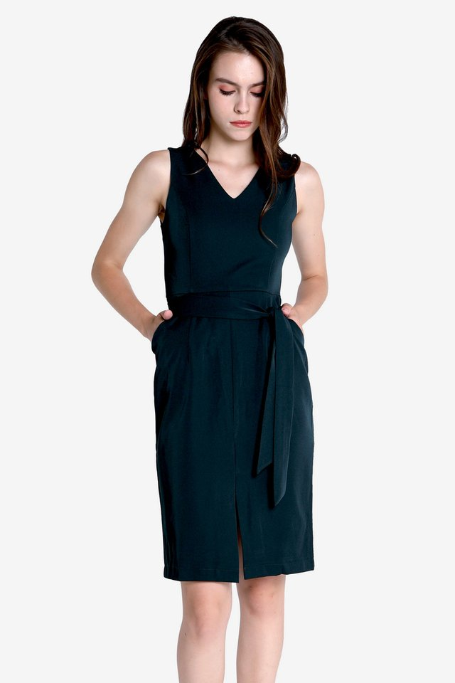 Halverson Center Slit Sash Dress (Forest Green)