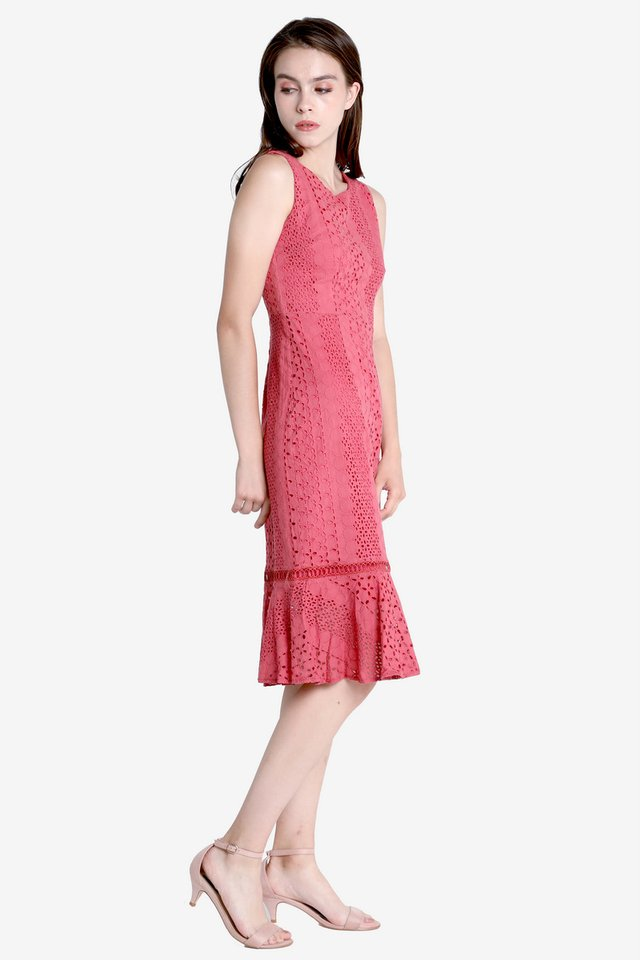 Morey Eyelet Midi Dress (Tea Rose)