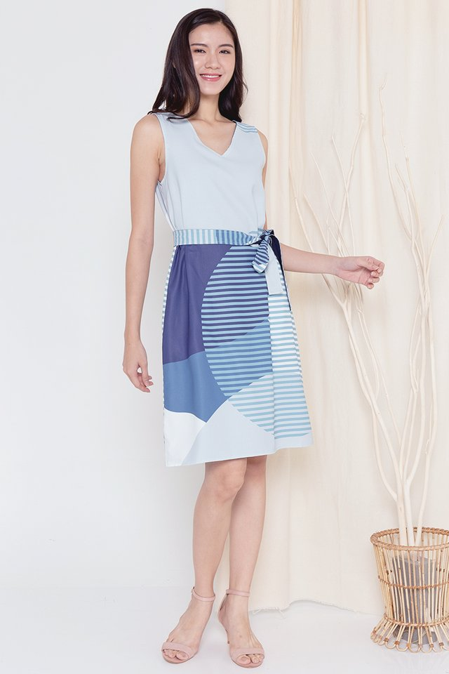 Harper Reversible Abstract Midi Dress (Blue)