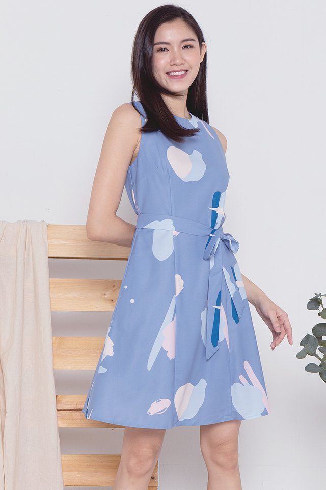 Cecil Abstract Dress (Blue)