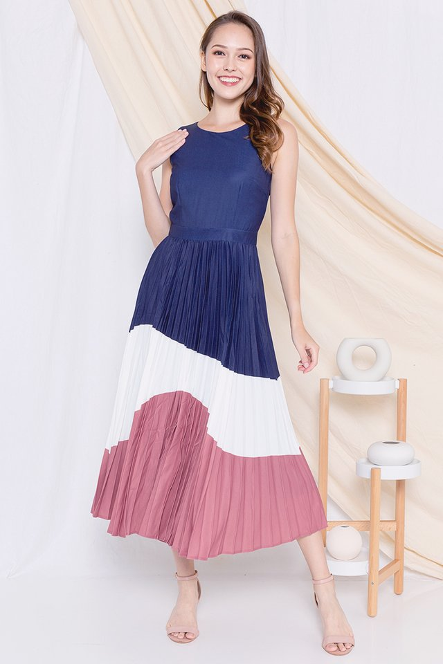 Germaine Pleated Maxi Dress (Navy/White)