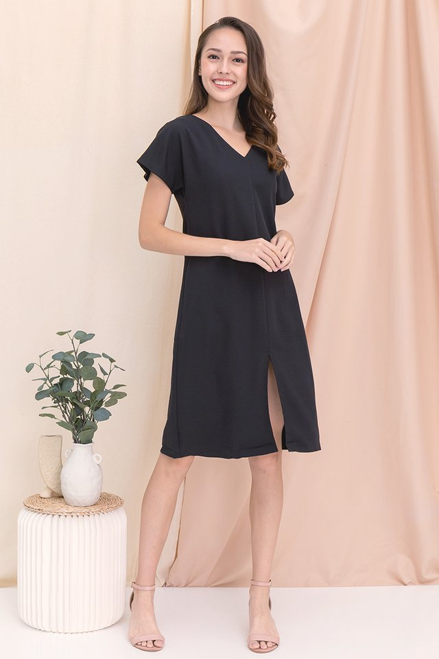 Clarice Sleeved Dress (Black)