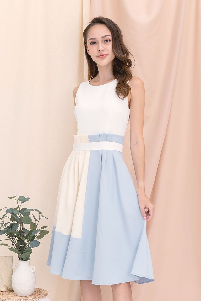 Carrie Paperbag Work Dress (White/Sky)