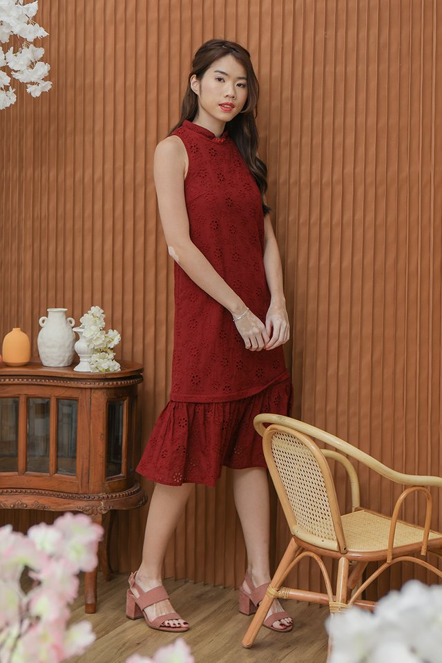 Erika Removable Hem and Collar Eyelet Midi Dress (Wine)