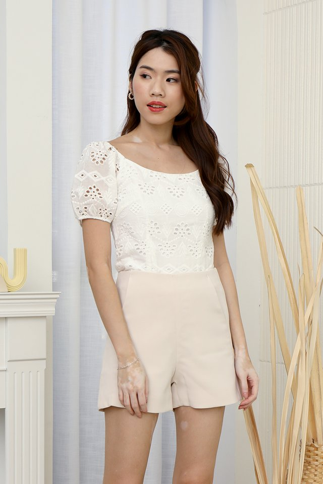 Mullins Puffy Sleeve Eyelet Top (White)