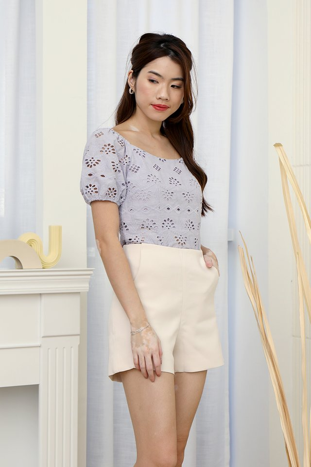 Mullins Puffy Sleeve Eyelet Top (Lilac)